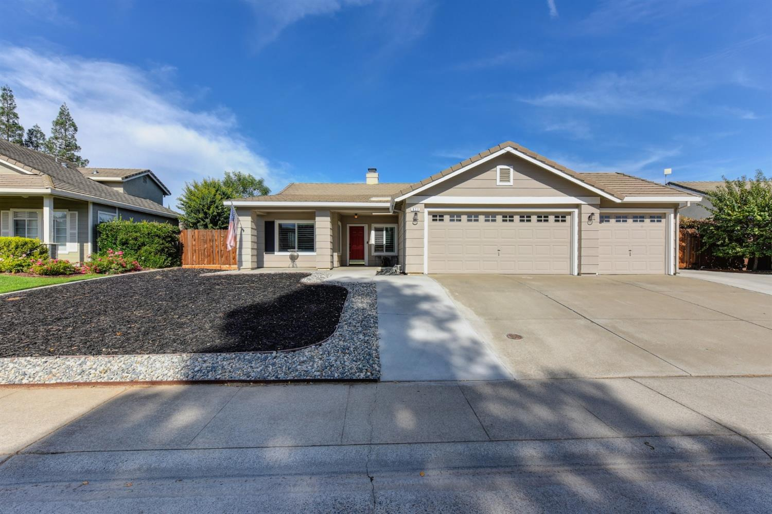 Don't miss this opportunity to call Galt your home. This move-in ready home is located on a  quite c