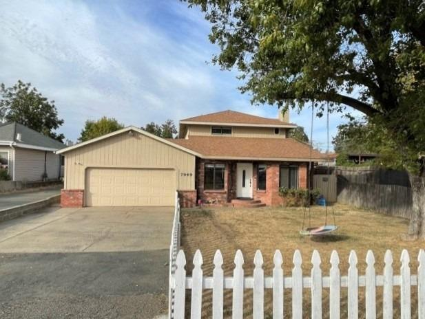 BEAUTIFUL LARGE 4 BD 2 BA HOME IN CITRUS HEIGHTS! This one you don't want to miss, conveniently loca