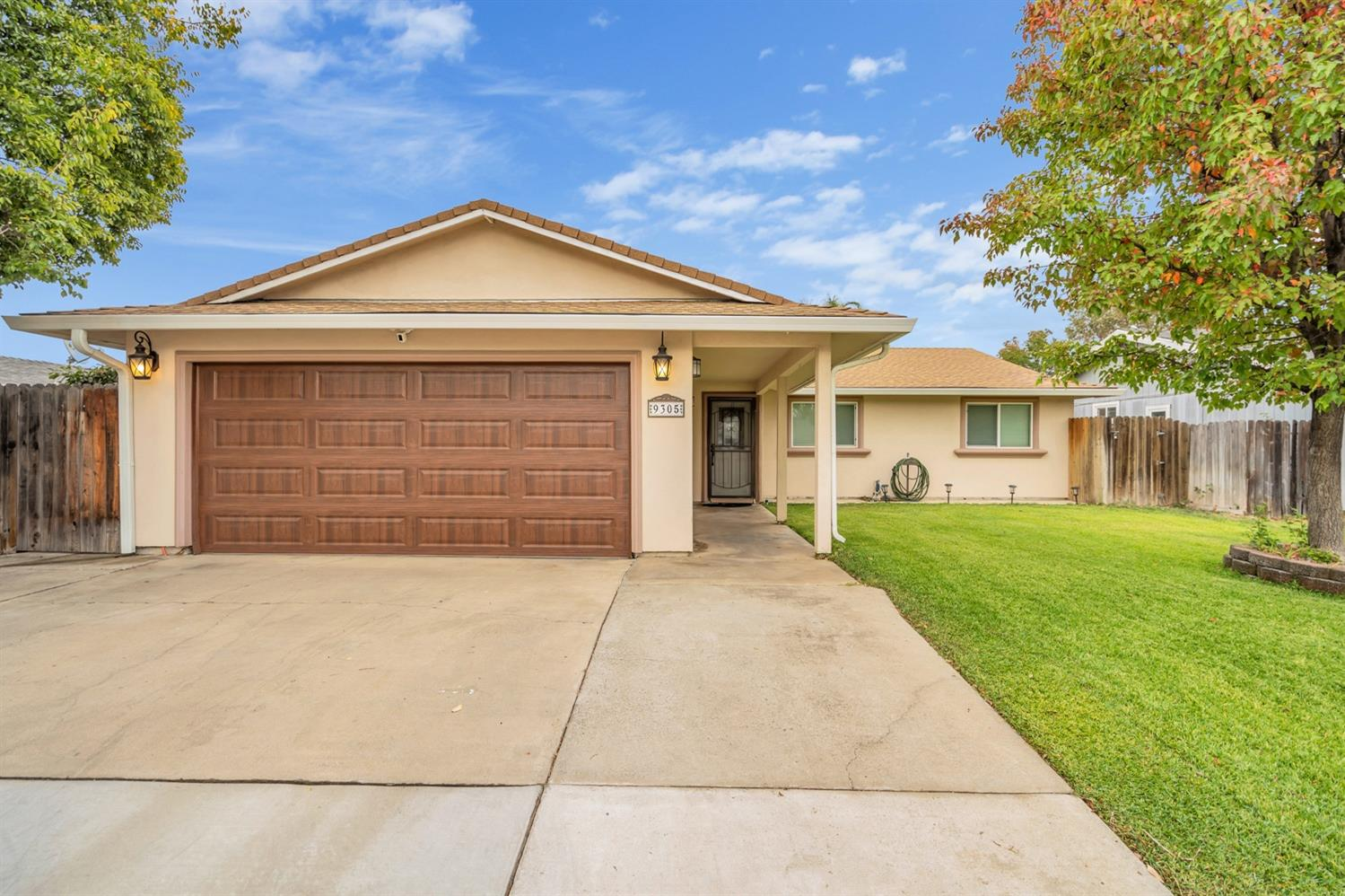 Take a look at this fantastic 3 bedroom single story home with so much to offer. Inside you'll find