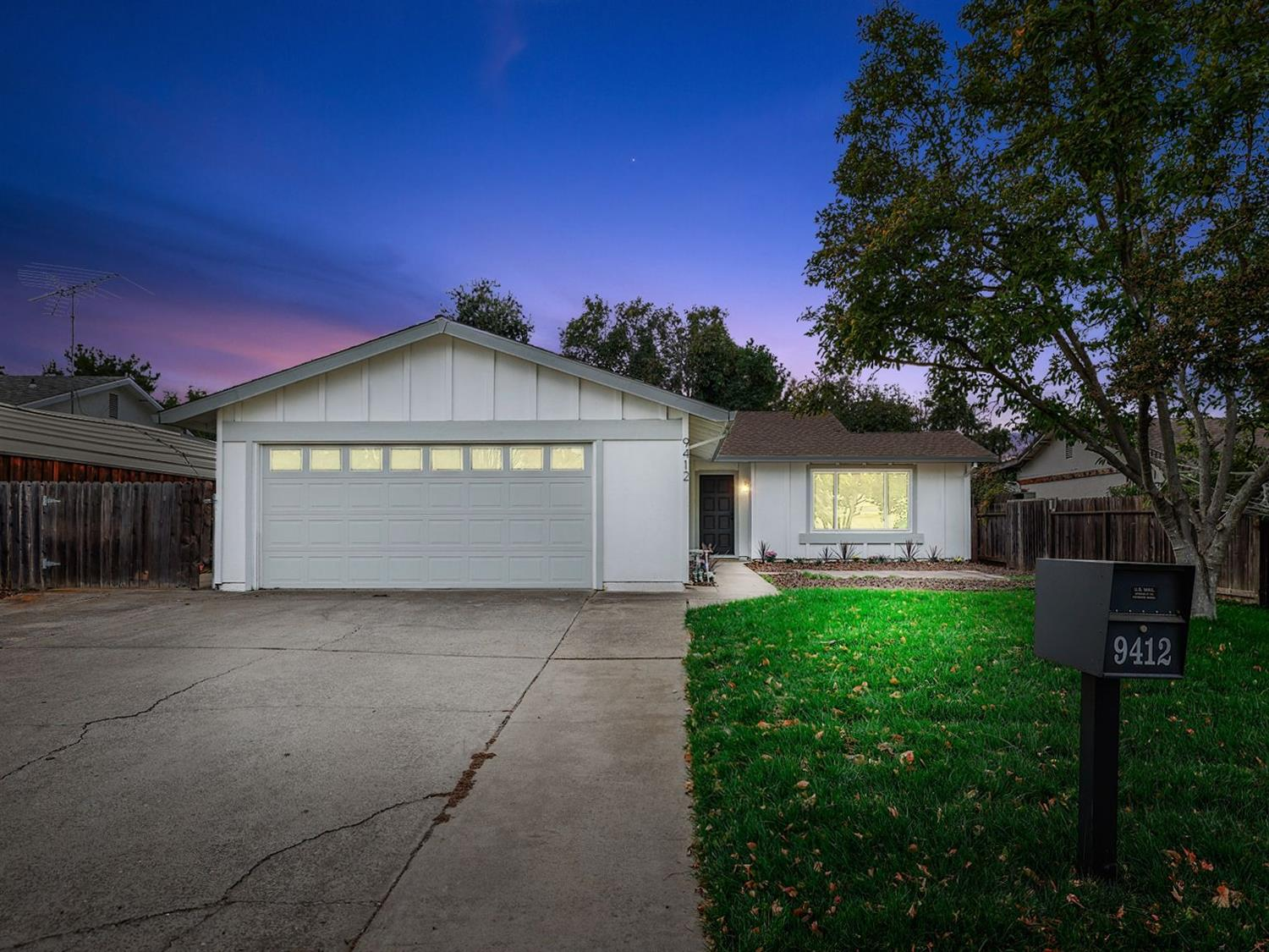 Location---Location--- Come check out this recently remodeled home with a spacious floorplan. This h